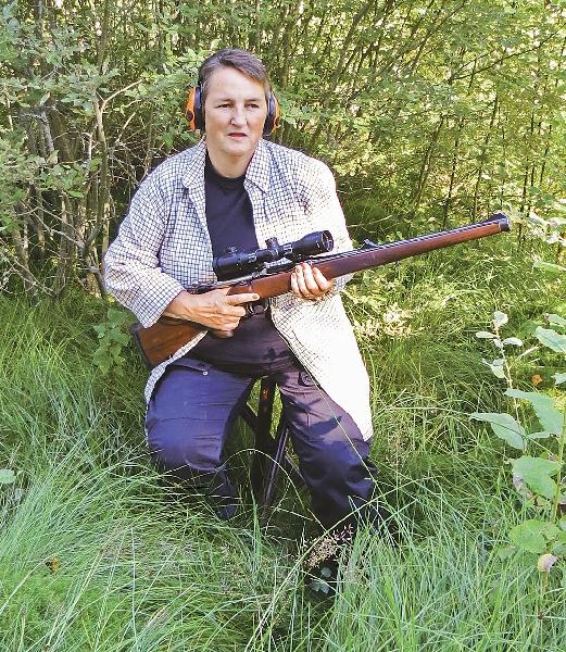 Pia trodde för sju år sedan inte att hon skulle bli så biten av jakt och skytte. Starten till intresset var en omplaceringshund som hon ville sysselsätta.