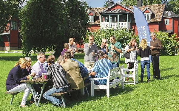 Under fikapausen i det vackra solskenet vid Nääs kursgård i Borensberg, pratades det mycket om lamm och får.