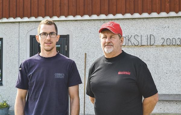 Krisen för mjölkbönderna är stor och regeringen måste agera om mjölkproduktionen ska överleva, anser Robert och Christer som dock har ett gott ekonomisk inflöde genom att producera ekologisk mjölk.