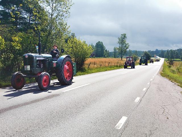 Med rätt trafikavstånd blev det en lång karavan.