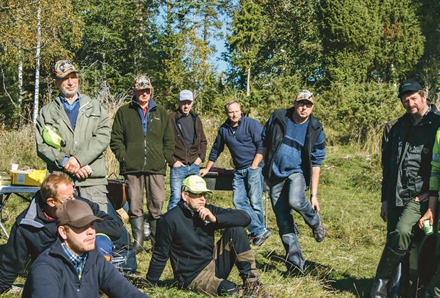 Några av deltagarna på skogsviltsdagen anordnad av Holavedens LRF-avdelning och Södra.