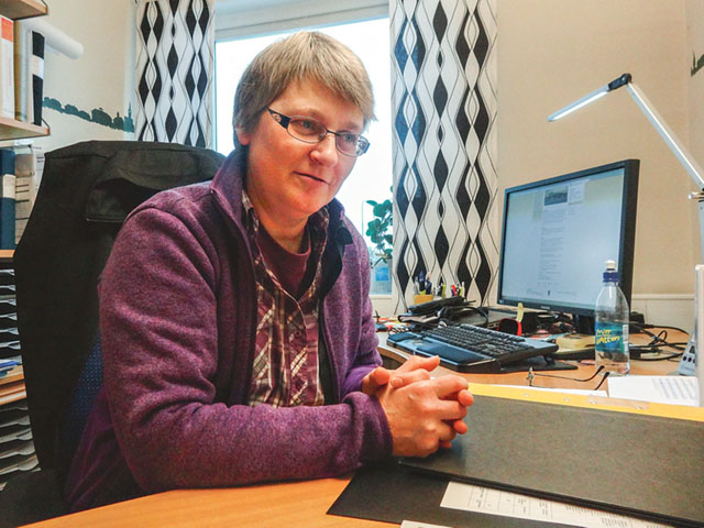 Gun-Britt Olsson, Sunne kommuns energi- och klimatrådgivare. Hon tycker det är ett jobb som är perfekt i tiden nu när allt kretsar kring vår miljö och hur vi kan hålla energiförbrukningen nere och spara några kronor.