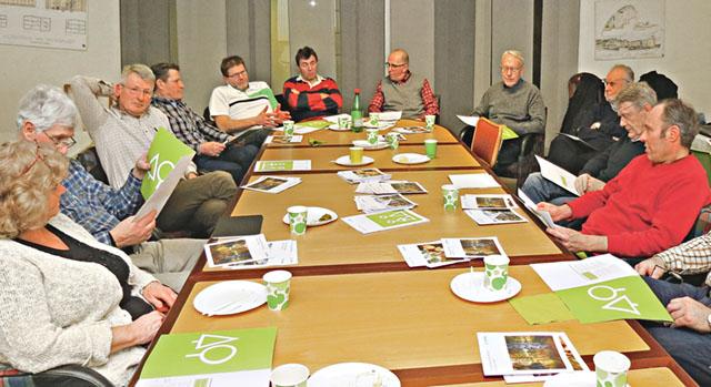 Ett gäng skogsägare från Valdemarsvikstrakten och medlemmar i Södra var samlade till ägarmöte för att diskutera hur man vill göra affärer med sin skogsägarförening.