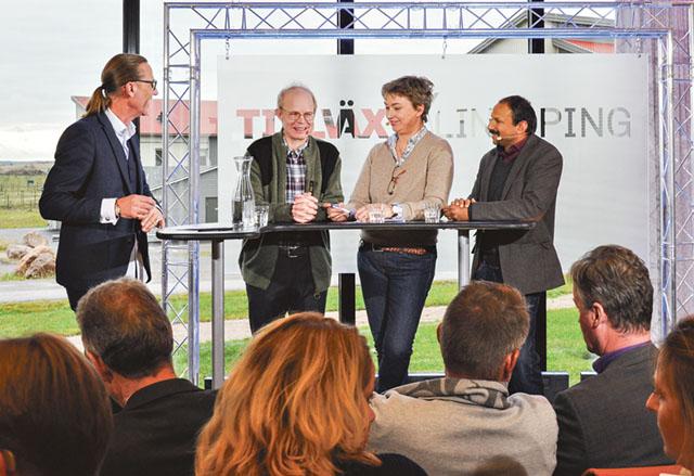 Programledaren Lasse Fredriksson diskuterar med Per Frankelius, Helene Oscarsson och Peter Borring.