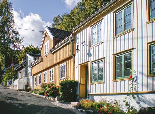 I Oslo finns flera gator med mysiga trähus, som till exempel Damstredet och Telthusbakken.